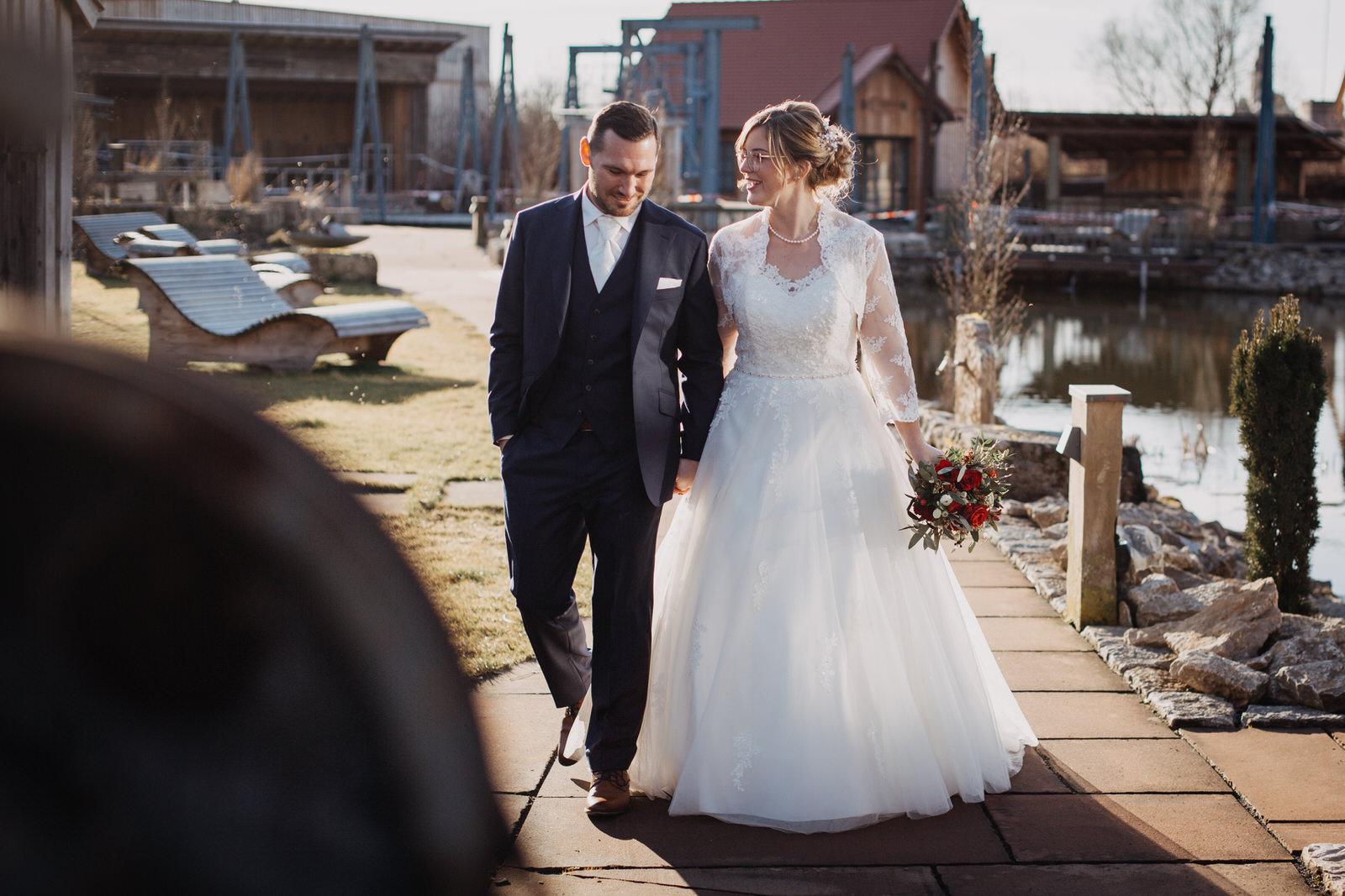 Hochzeit Isabell und Daniel Kirchheim bei Wuerzburg und Brueckenbaron Sonderhofen - IMG_9191