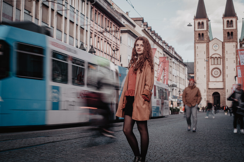 Portrait Shooting Würzburg Innenstadt Alte Mainbrücke